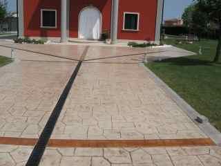 Perche 39 scegliere il pavimento stampato for Greche per muri